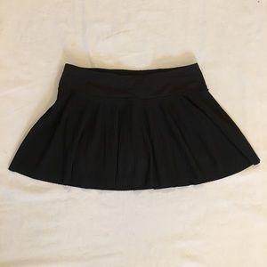 LULULEMON Black Pleated Skort Size 6